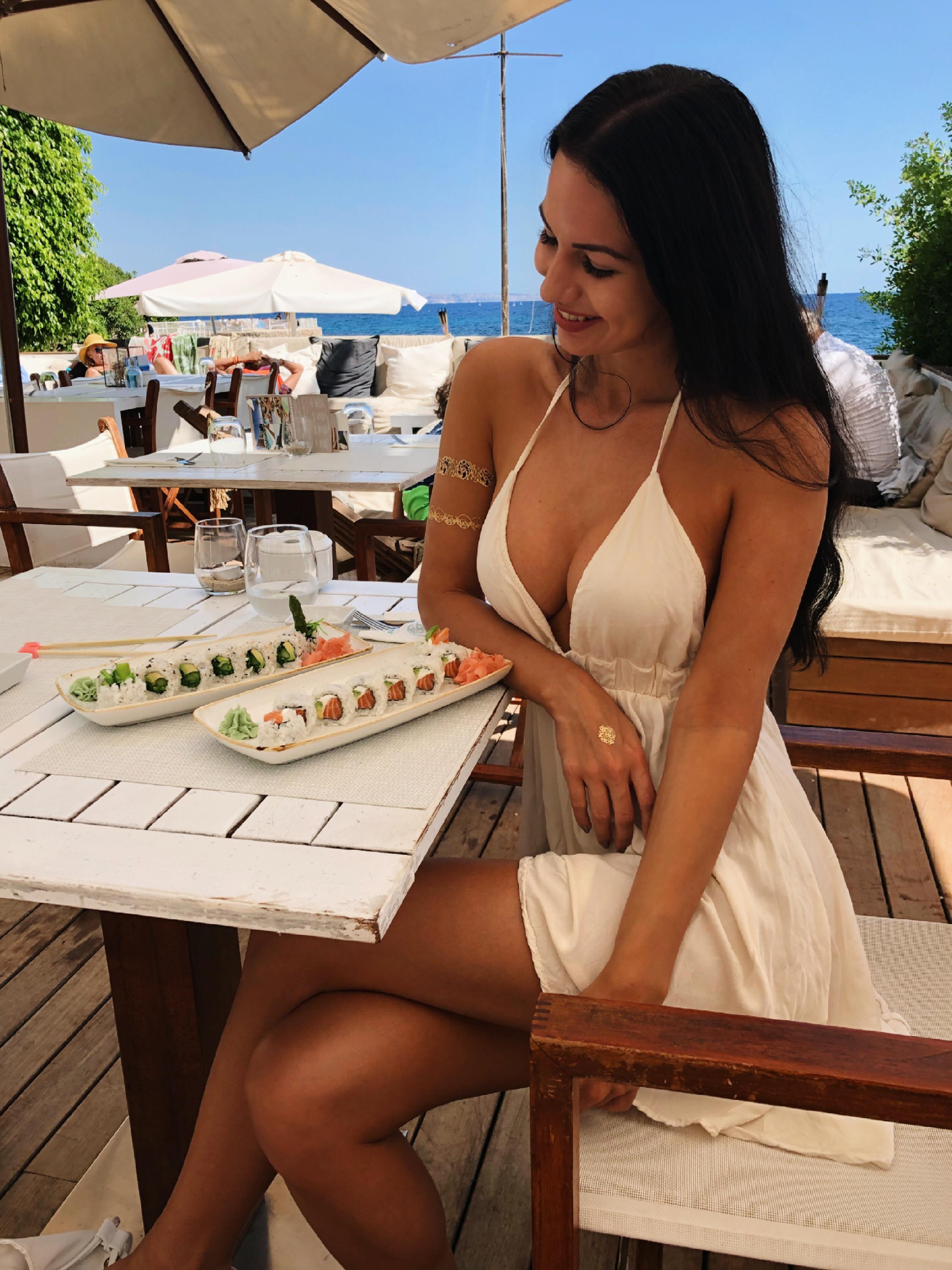 Nikki Liebt Den Strand